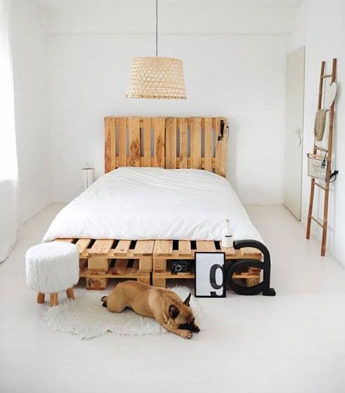 简洁卧室垫仓板效果图