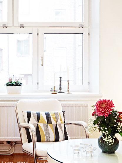 简洁北欧风餐厅 白色窗户设计