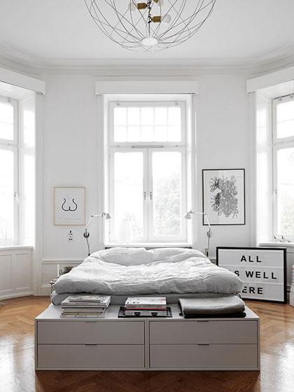 简约风格白色收纳床