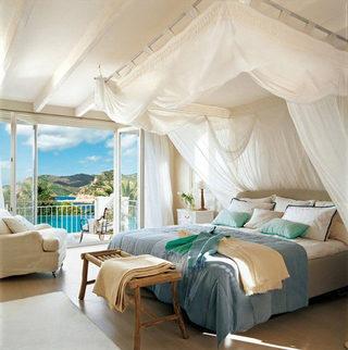 卧室床尾凳装修设计