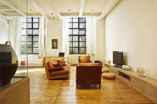 loft风格公寓原木色装修图片