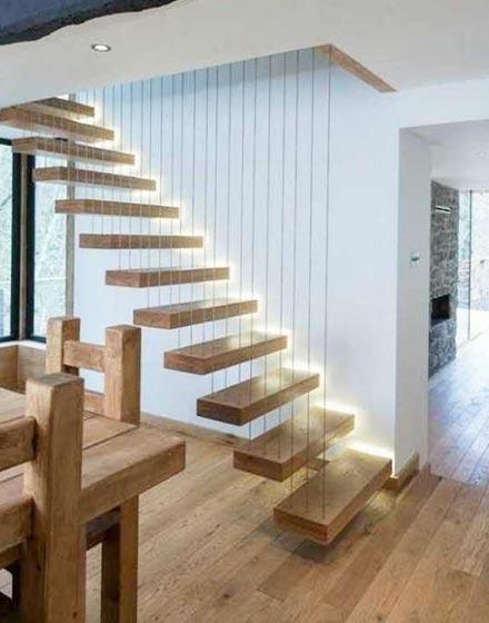 楼梯上演时尚灯光秀