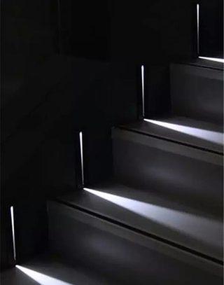光感楼梯为家增添艺术感