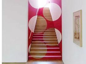 心情五彩缤纷 11款彩色楼梯设计
