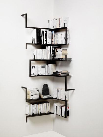 黑色墙角创意书架设计