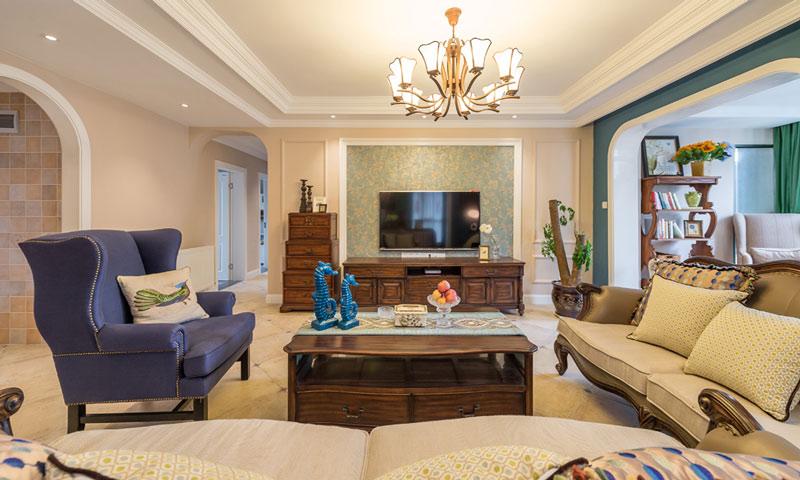 160平美式风格装修客厅吊顶高清图片