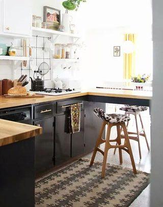 木质厨房小吧台设计效果图