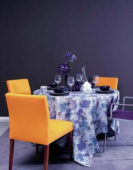 雅致餐厅圆桌桌布图片