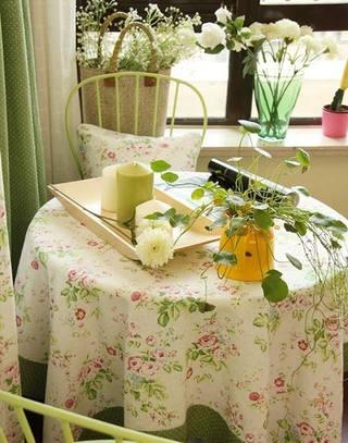 餐厅碎花桌布装饰图片