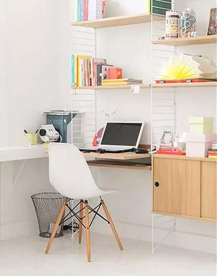 可爱小户型墙面书桌装修图