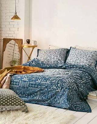 舒适卧室民族风床品设计