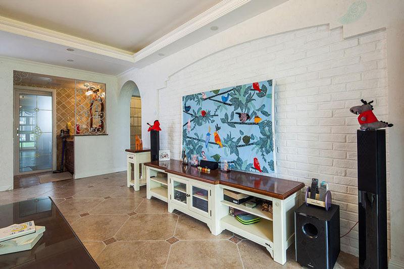 地中海田园风客厅 文化砖电视背景墙设计