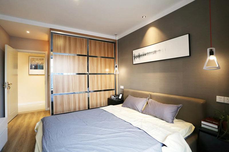 简约风格卧室实木衣柜装修设计