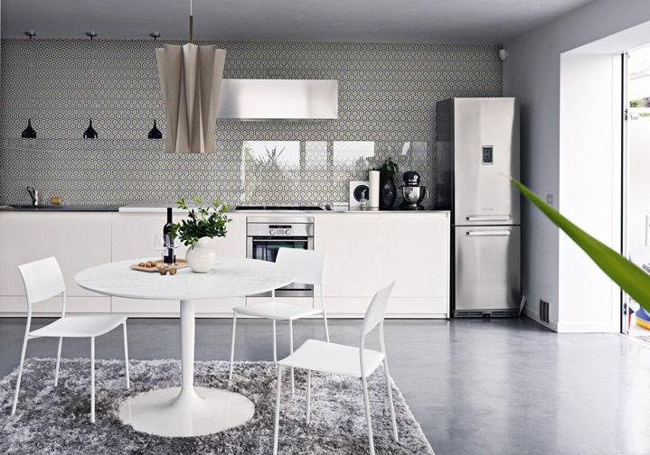 白色简约家庭餐桌设计图