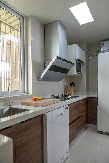 简约宜家风厨房 原木橱柜设计