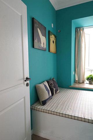蓝色榻榻米背景墙装修效果图