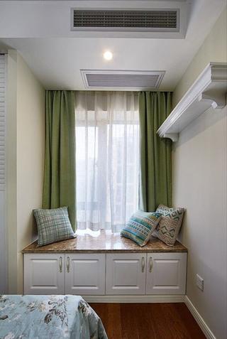 美式主卧室飘窗装修效果图