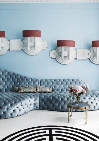 蓝白色梦幻沙发背景墙装修效果图