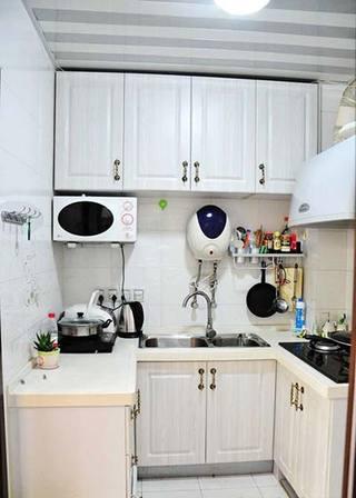白色厨房装饰效果图