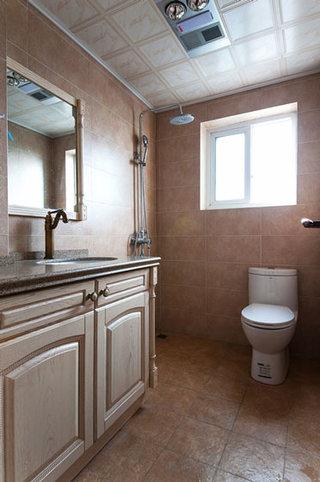 美式风格温馨卫生间装修效果图