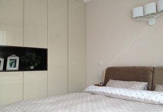 简约素雅卧室背景墙装修效果图