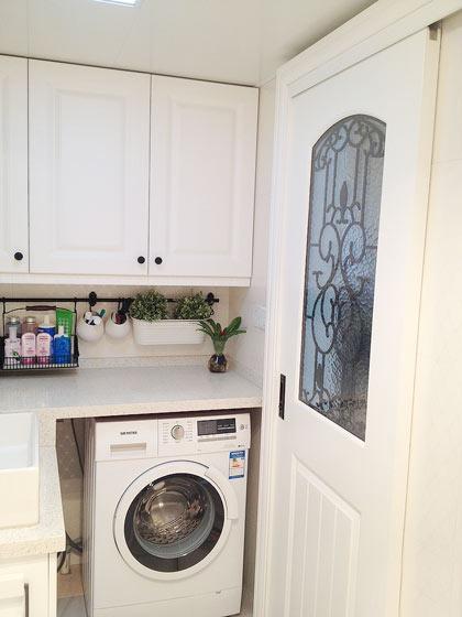 简约卫生间洗衣房装修效果图