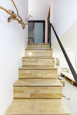 中式风格超小户型原木楼梯装修效果图