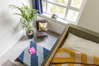 现代简约学生宿舍双人床铺装修效果图