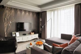 125平欧式三居客厅电视背景墙