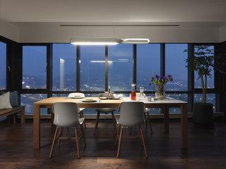 现代简约阳台改餐厅装修效果图