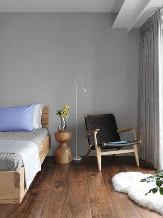 现代简约卧室床头柜装修效果图