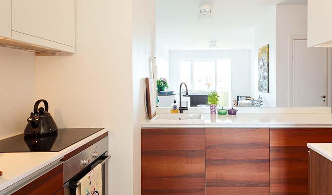温馨混搭风厨房 实木橱柜效果图