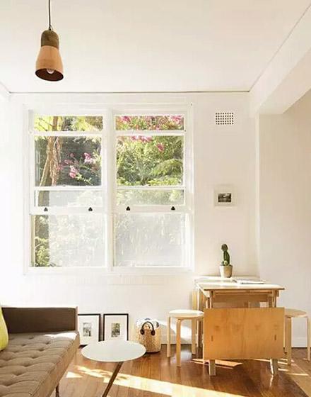 温馨宜家风客餐厅窗户设计