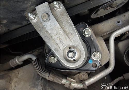 汽车机脚垫的作用 如何确定机脚垫故障高清图片