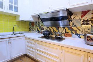 时尚清新混搭风厨房 抽象画墙砖装修