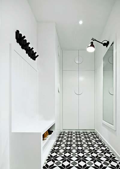 黑白波普风混搭 步入式衣帽间设计