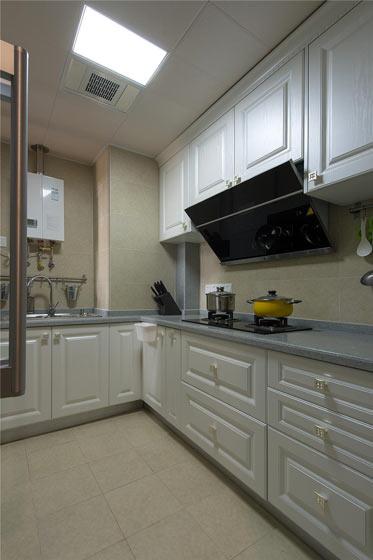 高端现代风厨房 白色橱柜效果图