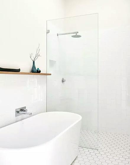 纯白简约风浴室效果图