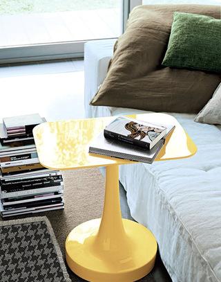 亮黄色活力客厅茶几图片