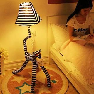 卧室落地灯装修图大全