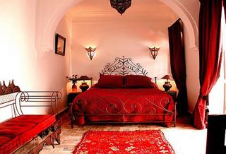 红色卧室装修装饰效果图