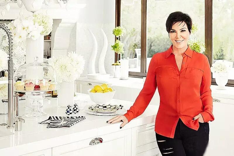白色简洁开放式厨房装修