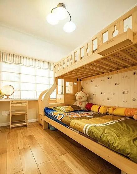 温馨美式儿童房 原木双人床装修