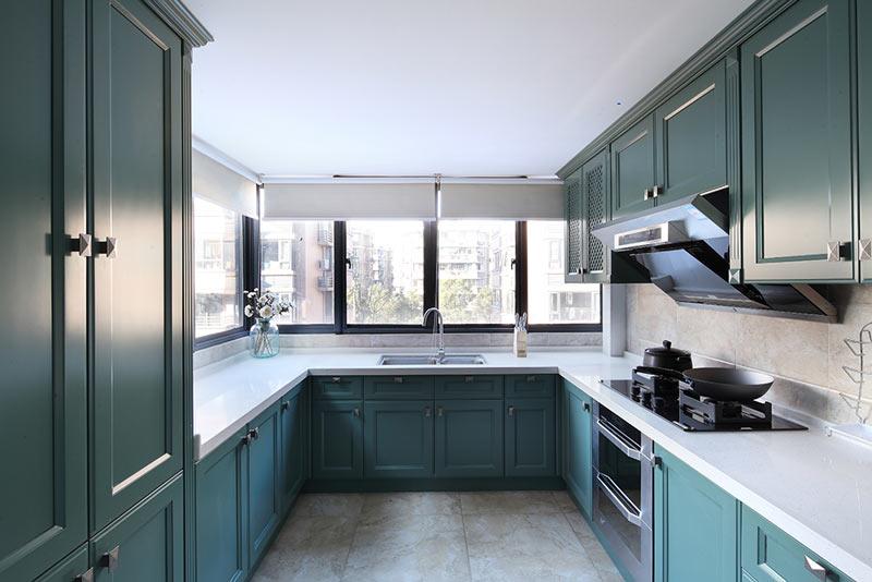 复古美式厨房 湖绿色橱柜装饰设计