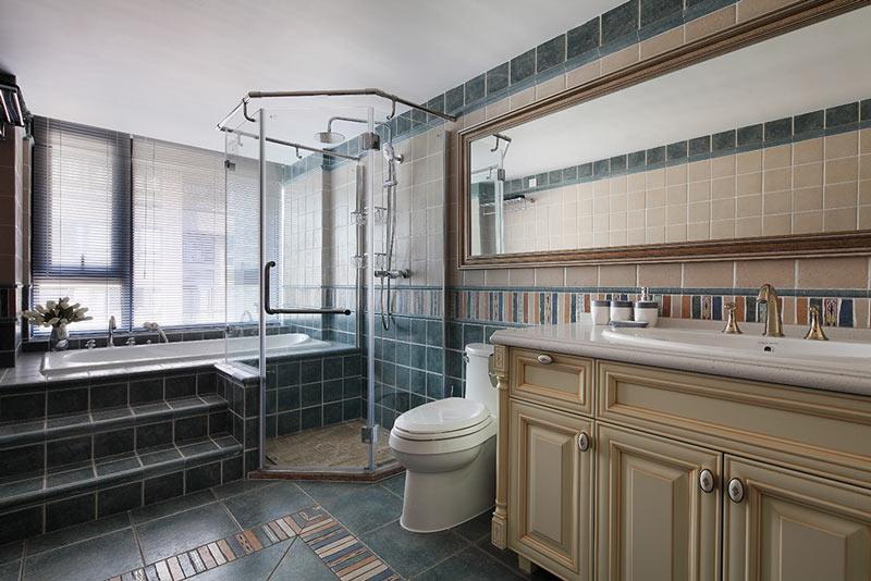 220平时尚美式卫生间效果图设计
