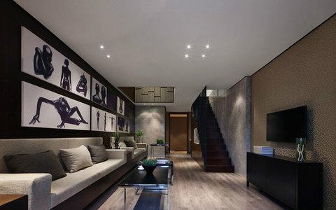20万以上80平米简约复式装修效果图,82平loft风格现代图片