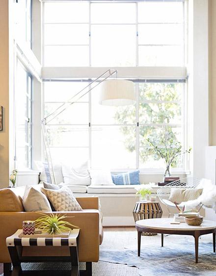 明亮简约美式 复式客厅窗户设计