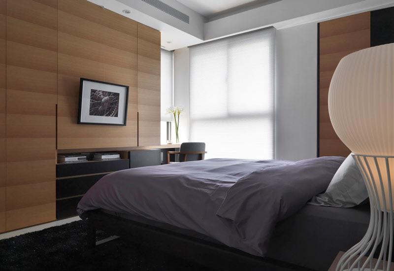 休闲现代风卧室 原木背景墙设计