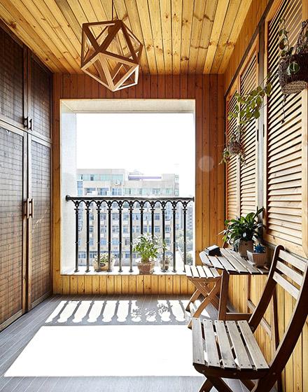 85平米两居室阳台装修设计