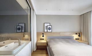 日式混搭三居室卧室背景墙装饰画